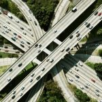 6 exemples reals de ciutats que han fet els seus carrers més intel·ligents i segurs